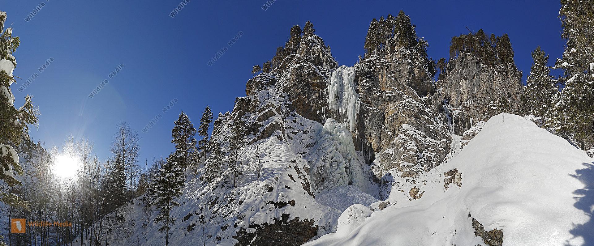 Vereister Wasserfall Panorama